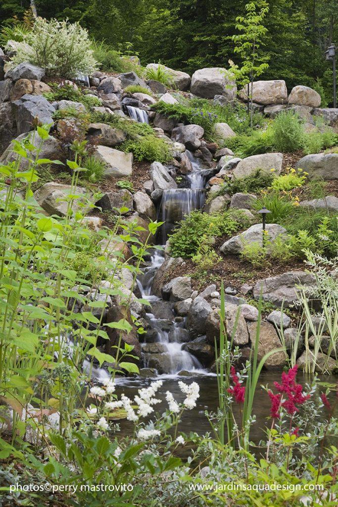Jardins Aquadesign, casdace et bassin de baignade
